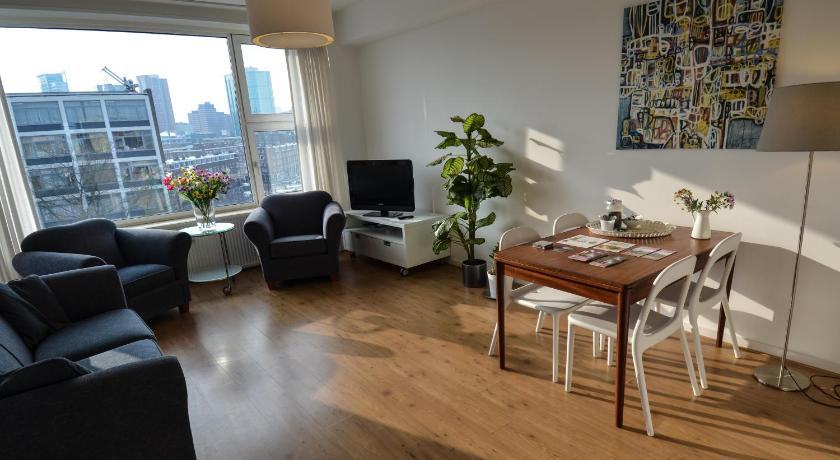 Separate living room Enjoy Rotterdam Apartments