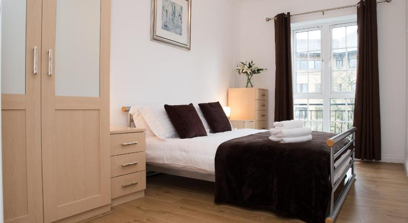 Celador Apartments - Riverside House Serviced Apartments - Reading ...