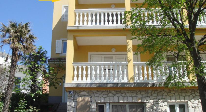 Two-Bedroom Apartment Apartments Jelicic