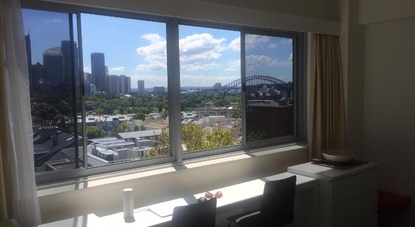 Apartment Rubys Room With a View @ Potts Point