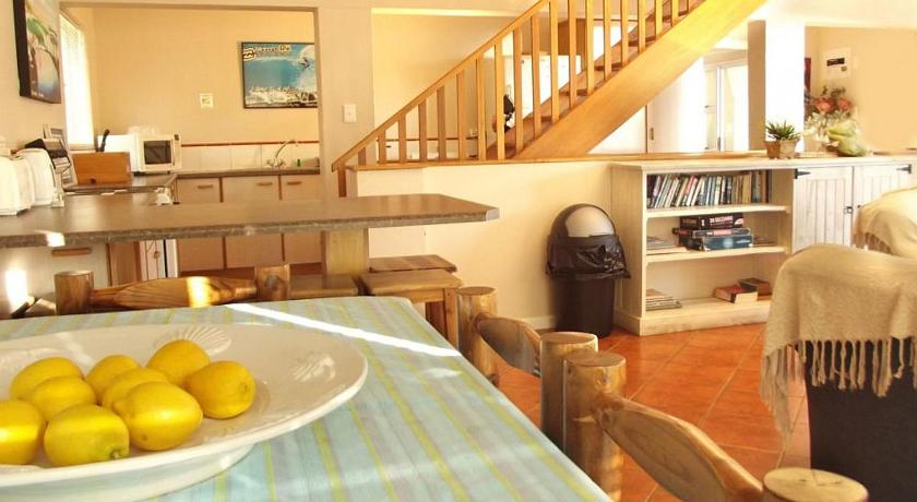 Point Village Accommodation - Laurie's House
