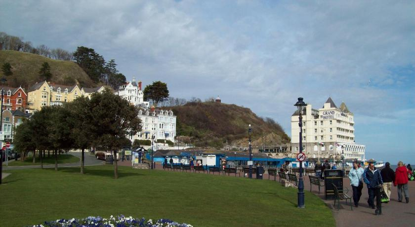 St Davids Hotel Bed and Breakfast Chapel Street Llandudno