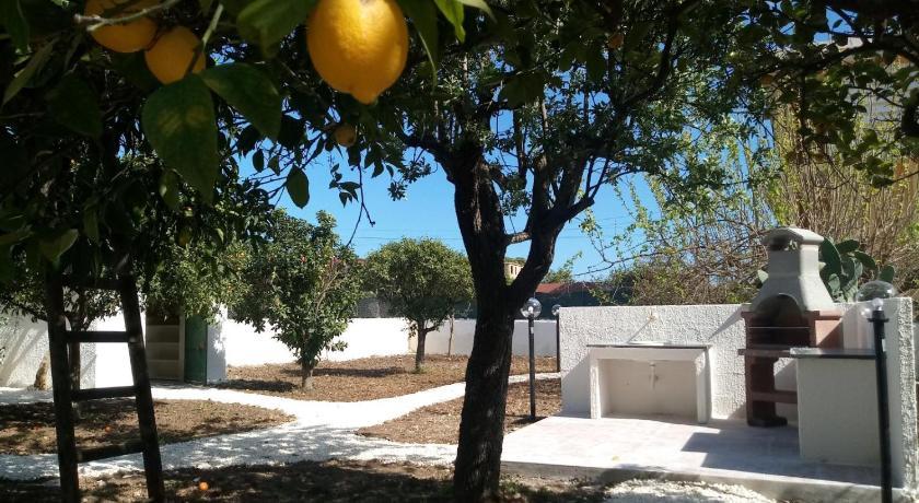 Villa del falso pepe - Avola | Bedandbreakfast eu
