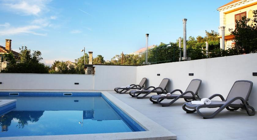 Swimming pool Apartments Villa Julija