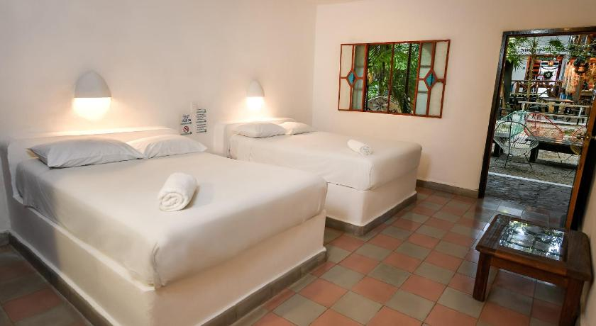 Double Room with Private Bathroom Hostal MX