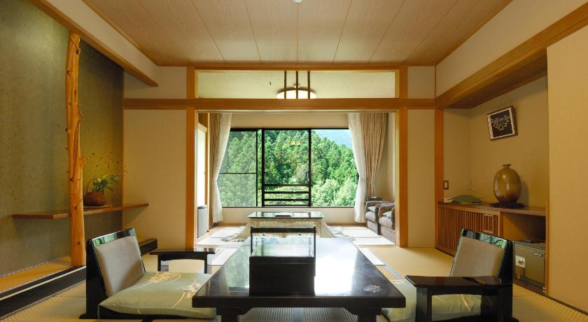 Japanese-Style Room with Shared Bathroom and Toilet - Guestroom Minakamisansou