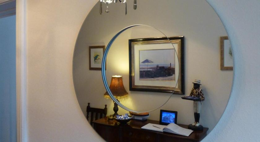 Chilterns Guest House 19 Deganwy Avenue Llandudno
