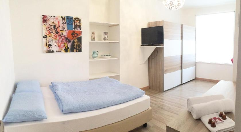 Double Room with Shared Bathroom - Bed Rosengarten Rooms