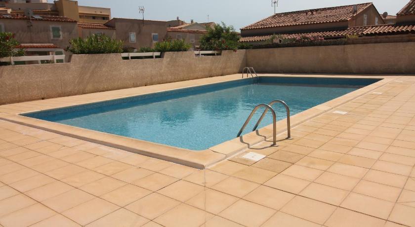 Pavillon 2 chambres avec piscine terrasse parking - 2907 - Valras ...