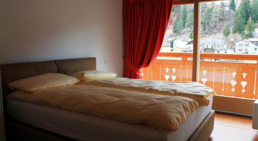 Two-Bedroom Apartment with Mountain View - Guestroom Residence Rose