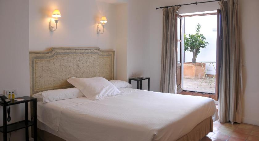 boutique hotels in baeza  36