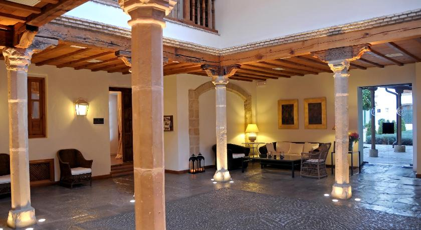 boutique hotels in baeza  12