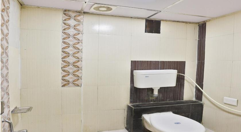 Bathroom hotel vrundavan