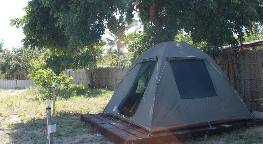Tent (2 Adults) with External Shared Bathroom Mozambeat Motel