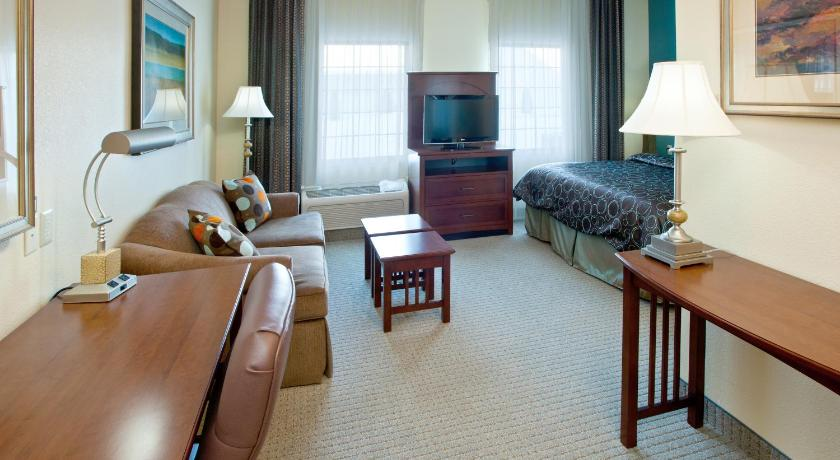 Guestroom Staybridge Suites South Bend – University Area