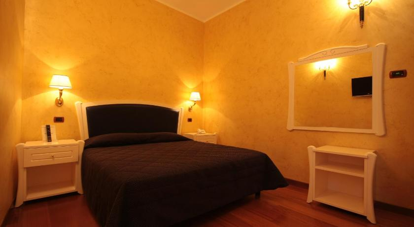 Comfort Single Room with Shower - Guestroom Hotel Rojan
