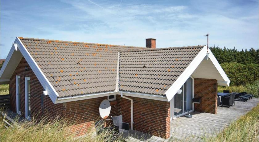 Four-Bedroom House Holiday home Tingodden Hvide Sande