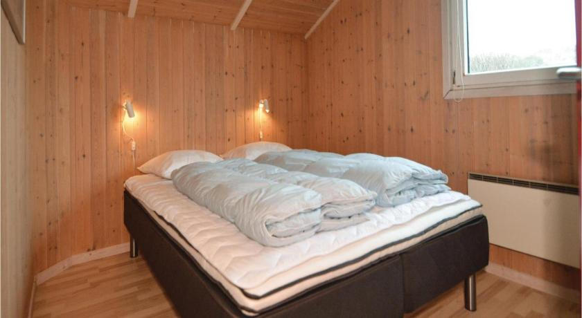 Four-Bedroom House - Guestroom Holiday home Sydslugen in Denmark