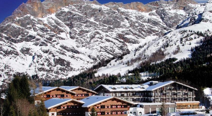 Best Price on Marco Polo Alpina Familien- & Sporthotel in ...