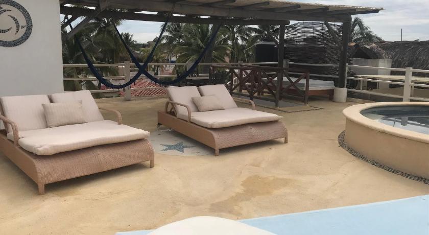 Casa De Las Olas Surf Beach Club Costera Benito Juarez Entre Nicolas Bravo Y Manuel