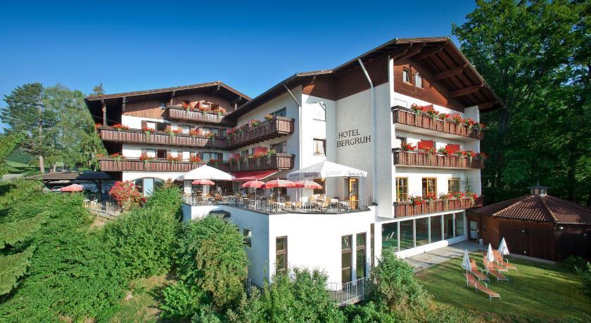 f ssen central city hotel in germany europe. Black Bedroom Furniture Sets. Home Design Ideas