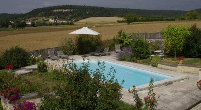 Swimming pool Le Clos Du Murier
