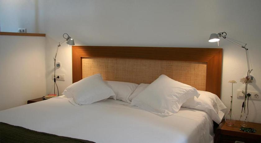 hoteles con encanto en es migjorn gran  33