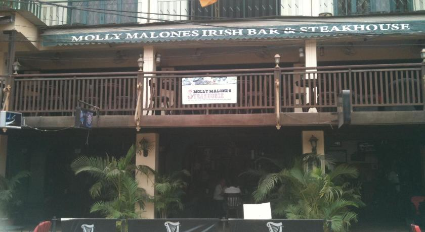 Molly Malone's Irish Bar, Steakhouse & Guesthouse | Cambodia Budget Hotels