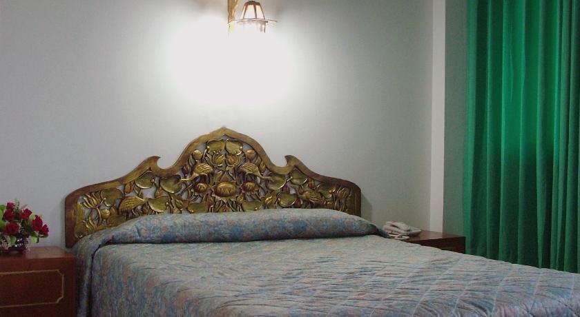 royal jommanee hotel