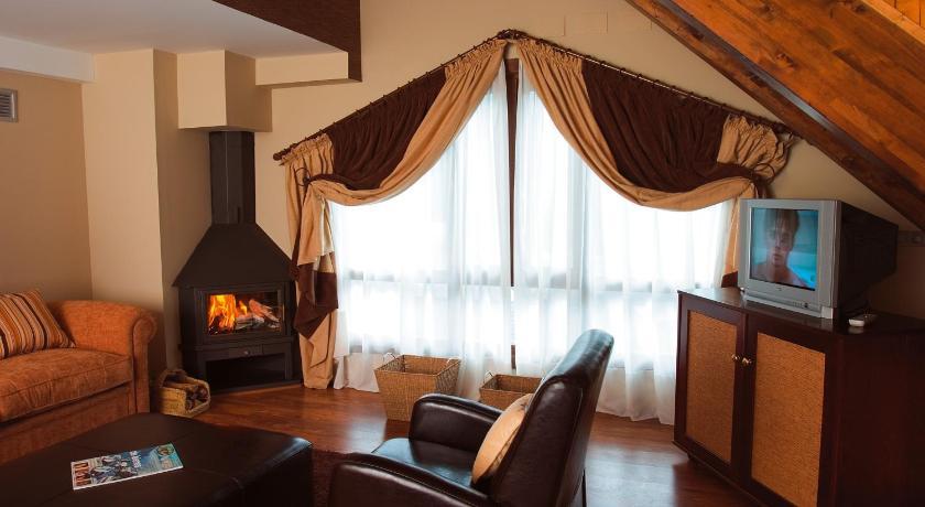 hoteles con encanto en tramacastilla de tena  38