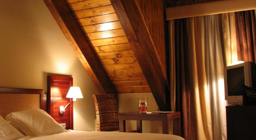 hoteles con encanto en tramacastilla de tena  39