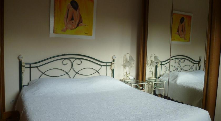 Chambres d 39 h tes legros r servez en ligne bed for Chambre d hote vierzon
