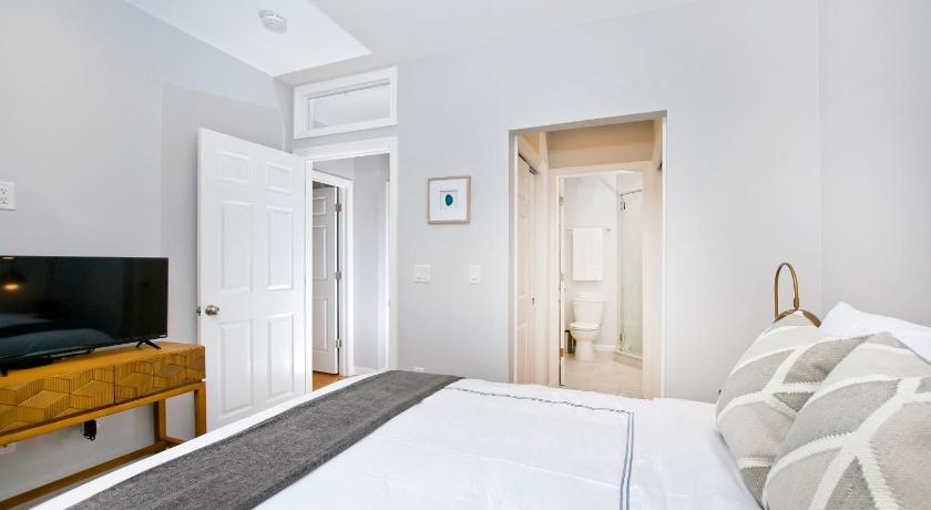 Boho Chic Three Bedroom Apartment Minutes To Nyc 215 Hudson Street Hoboken  ...