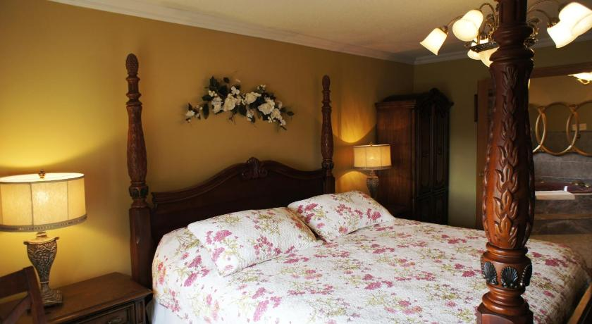 Villa Alexandrea Tourist Home 5287 River Road Niagara Falls