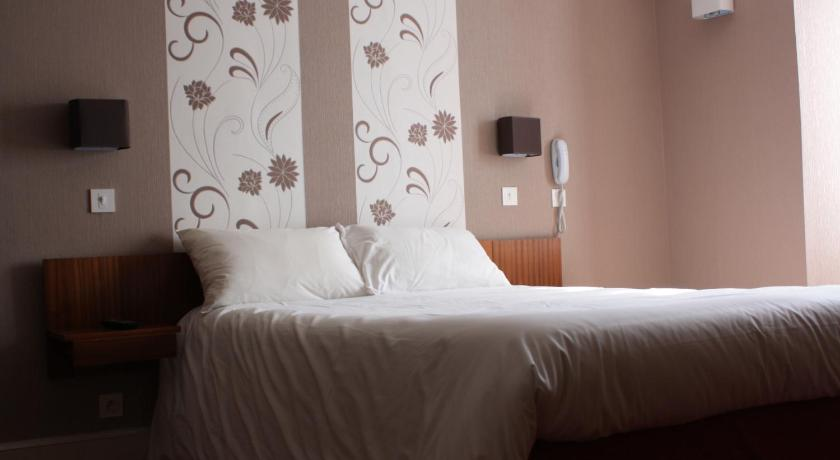 Double Room - Bed Hotel du Touring
