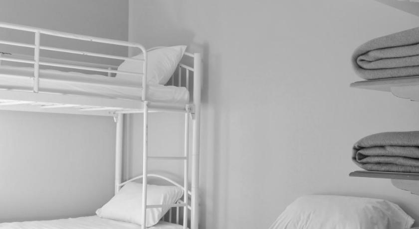 l 39 auberge du pelerin et du voyageur arles. Black Bedroom Furniture Sets. Home Design Ideas