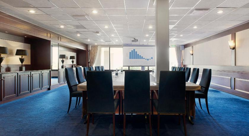 Hotel Newport Huizen : Hampshire hotel u2013 newport huizen labradorstroom 75 huizen