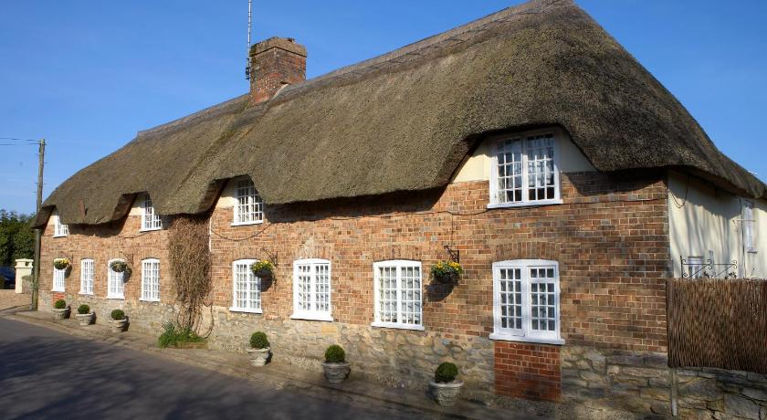 More about Yalbury Cottage