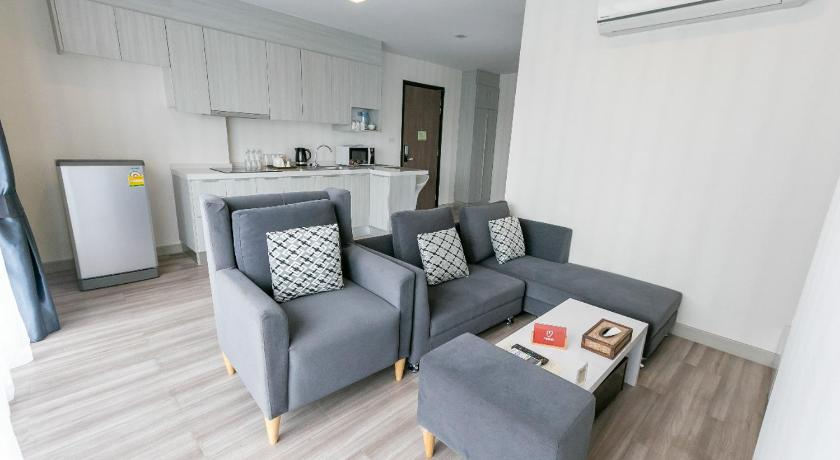 Twin Bed Room Near Robinson Airport With Pool View 0017160e Chiang