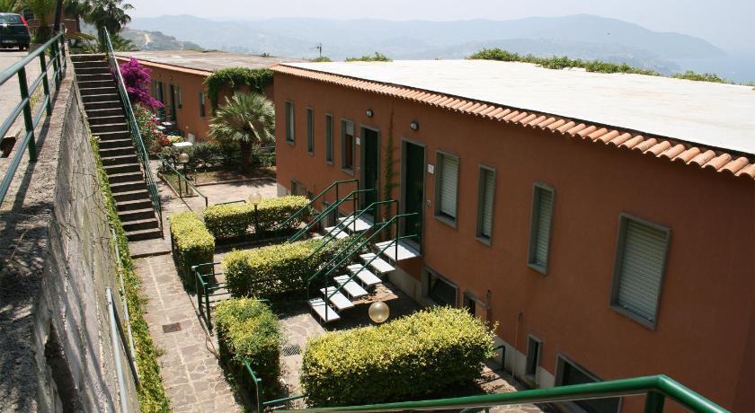 Le Terrazze Residence   Book online   Bed & Breakfast Europe