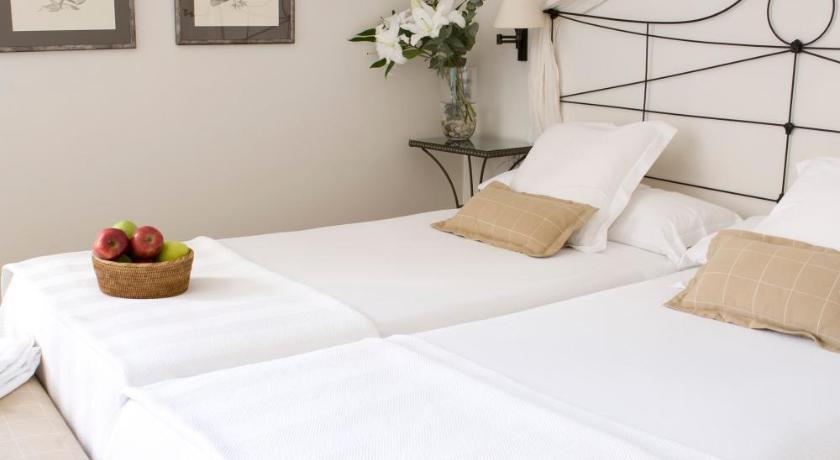 hoteles con encanto en granada  324