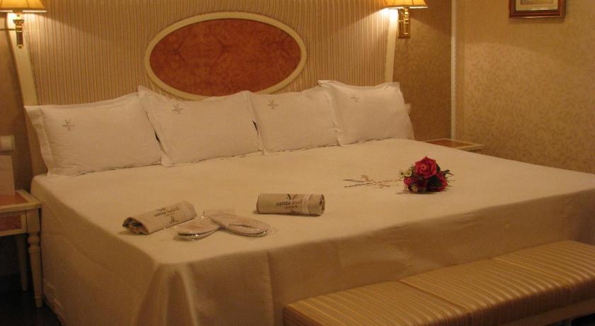 hoteles con encanto en albacete  74
