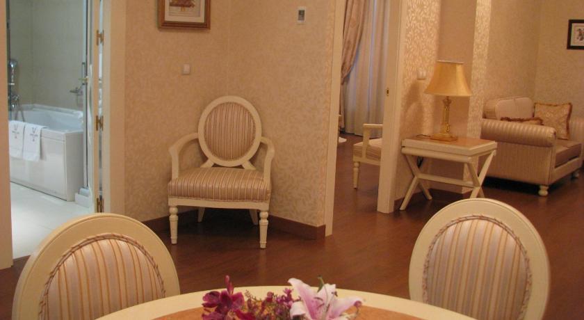 hoteles con encanto en albacete  77