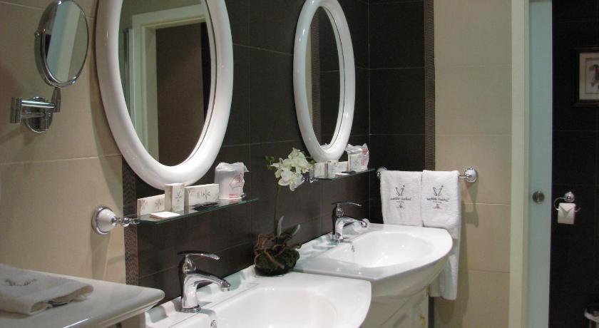 hoteles con encanto en albacete  81