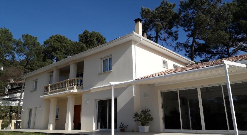 Maison moderne - Le Moulleau   Bedandbreakfast.eu