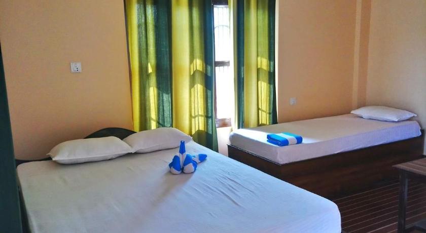 Green Tree Hotel and Lodge - Sauraha   Bedandbreakfast eu
