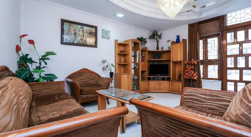 OYO 23565 Home Cozy 2BHK Lajpat Nagar Station H 9
