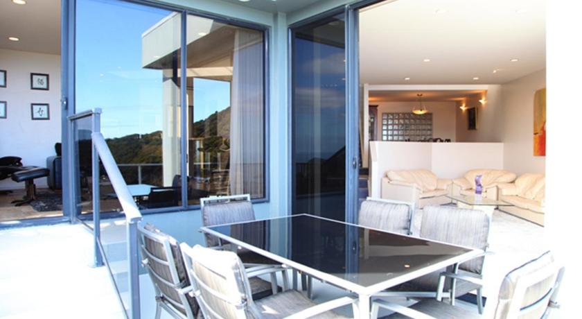 Lyons Rock Bed and Breakfast | New Zealand Hotels Deals