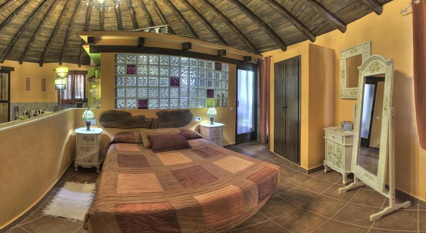Chozos rurales el solitario ba os de montemayor ofertas de - Dormir en banos de montemayor ...