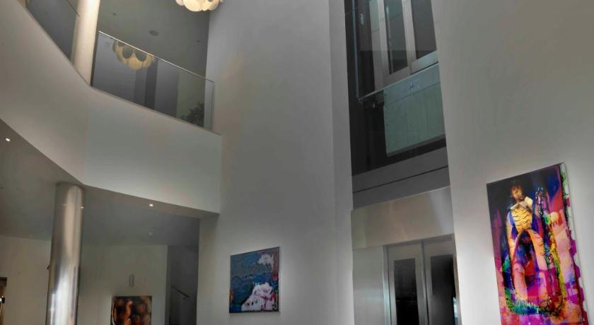 hoteles con encanto en cádiz  177